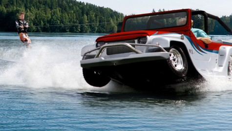 Panther: din mașină în barcă în 15 secunde