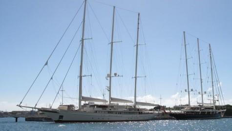 """Două dintre cele mai mari yachturi de navigație din lume vor primi o """"față"""" nouă"""