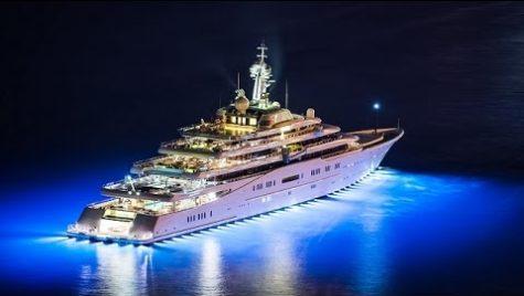 """""""Iluminatul pe yacht nu este strict funcțional. Acesta ajută la crearea unei experiențe de vis!"""""""